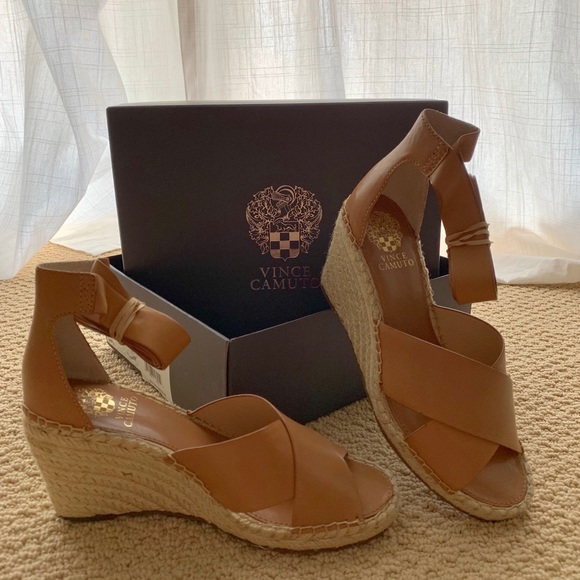 bb1f5870827 NEW Vince Camuto Leddy Wedge Sandal in Tan Nappa NWT